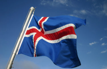 Islandska politika je preozbiljna stvar da bi se prepustila političarima
