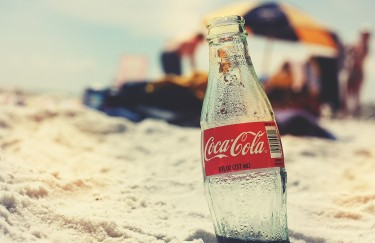 Coca-Cola lansirala 16 čepova koji pretvaraju prazne boce u korisne predmete